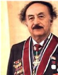 איליזרוב מעוטר במדליות